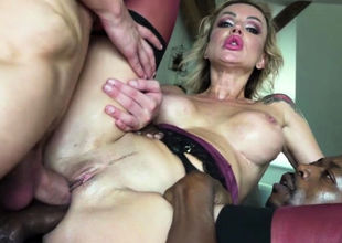 2 bear  give red-hot Cougar Elen a..