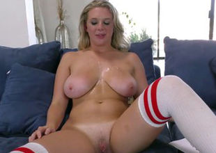 Brooke Wylde attempts Mandingo's Big..