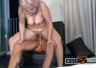 German cougar jana schwarz munches..
