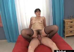 Unshaved cougar painfully needs a..