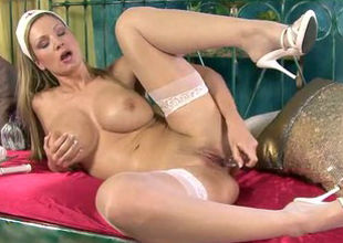European cougar damsel with a stellar..