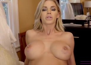 Large titted stepmom Jessa likes new..