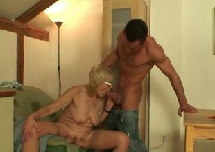 Penetrating girlfriend's oldest mommy..
