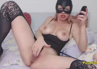 Cat dame with thick globes jerking in..